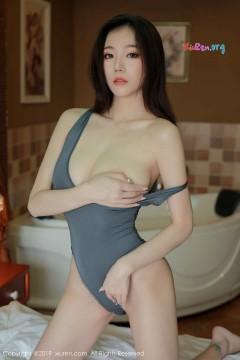 [秀人网XiuRen] N01614 风情美乳气质少妇YUNDUOER火辣福利私房写真集 46P